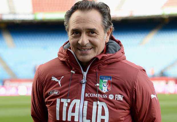 Cesare Prandelli Perpanjang Kontrak Bersama Italia