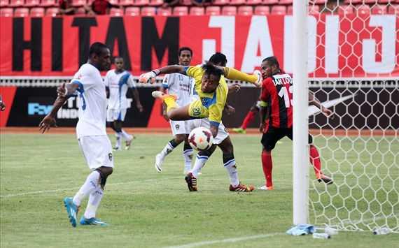 Gol tunggal Ian Kabes Antar Mutiara Hitam di puncak klasemen wilayah timur