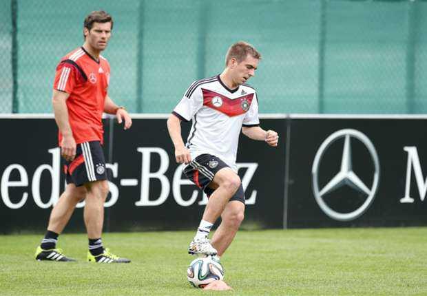 Philipp Lahm Dan Manuel Neuer Absen Lawan Kamerun