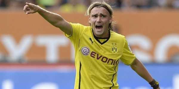 Bek Dortmund ini Tepis Rumor Hijrah Inter Milan