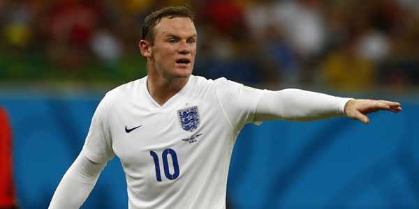 Carragher Kasih Saran Untuk Kembalikan Posisi Rooney
