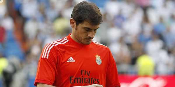 Iker Casillas Tetap Bertahan Di Santiago Bernabeu