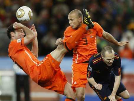 Prediksi Skor Bola Spanyol vs Belanda 14 Juni 2014