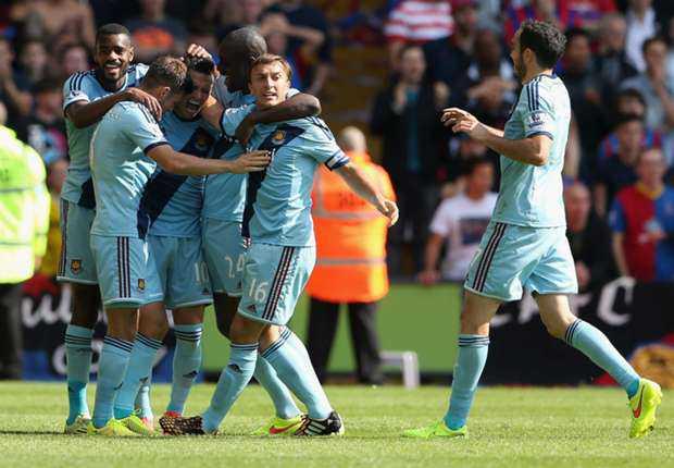 Bandar Online - Pelatih West Ham Sam Allardyce Puji Debut Mauro Zarate