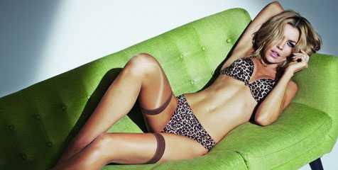 Berlibur Ke Pantai Wags Seksi ini Bawa 50 Bikini