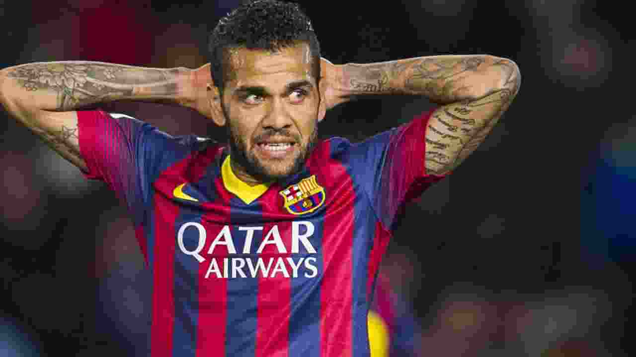 Dani Alves : Barcelona Ajukan Kontrak Baru