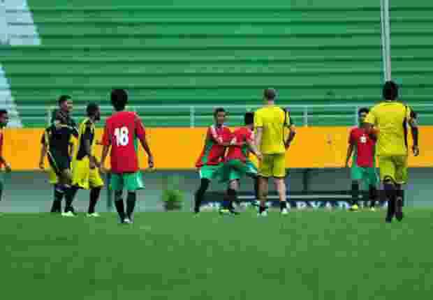 Laga Uji Coba Sriwijaya FC Diwarnai Perkelahian