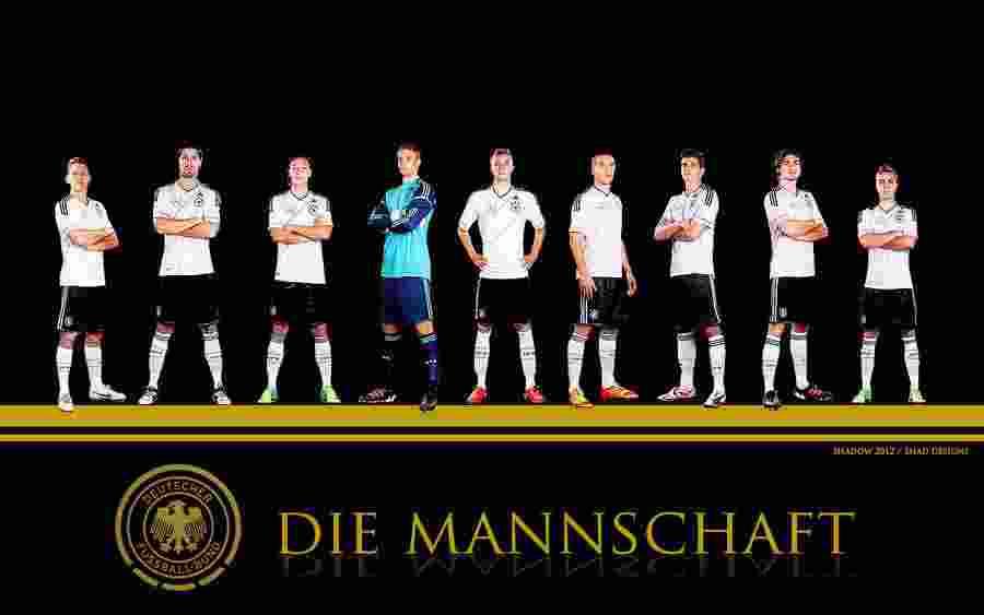 Die Mannschaft Dimenangkan Muller & Reus