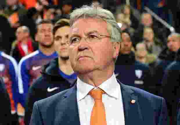 Guus Hiddink Beri Lampu Hijau Kembali ke Chelsea
