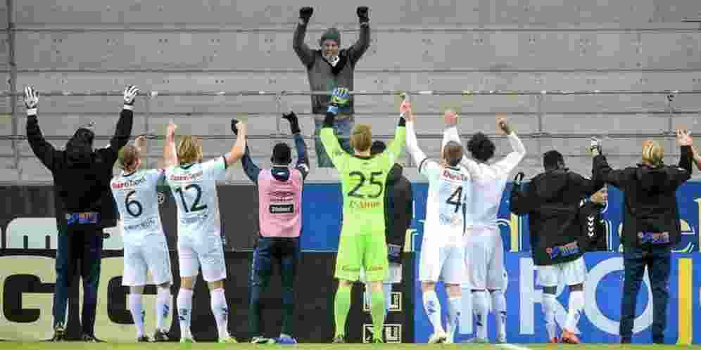 hanya-1-suporter-yang-merayakan-kemenangan-klub-ini