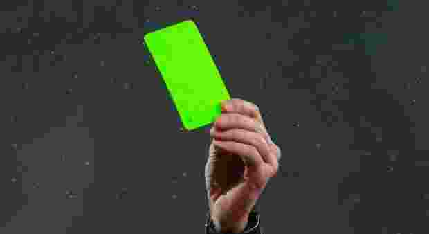 pemain-klub-italia-ini-mendapatkan-kartu-hijau
