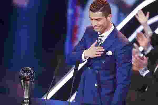 ronaldo-ranieri-dan-faiz-subri-menang-gelar-terbaik-dunia-fifa-2016