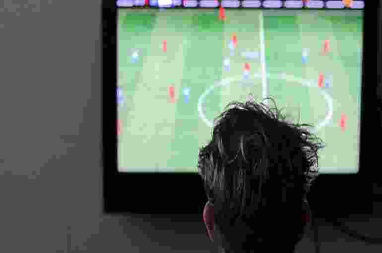 Ternyata Menonton Sepakbola Baik Bagi Kesehatan, Ini Manfaatnya