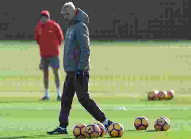 Real Madrid dan Barcelona Siap Tampung Arsene Wenger