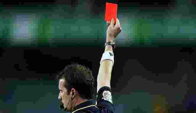 Serang Wasit, Pemain Spanyol Dihukum Larangan Main di 47 Pertandingan
