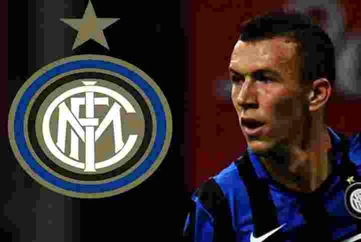 Chelsea dan Manchester United Bersaing Dapatkan Bek Inter Milan