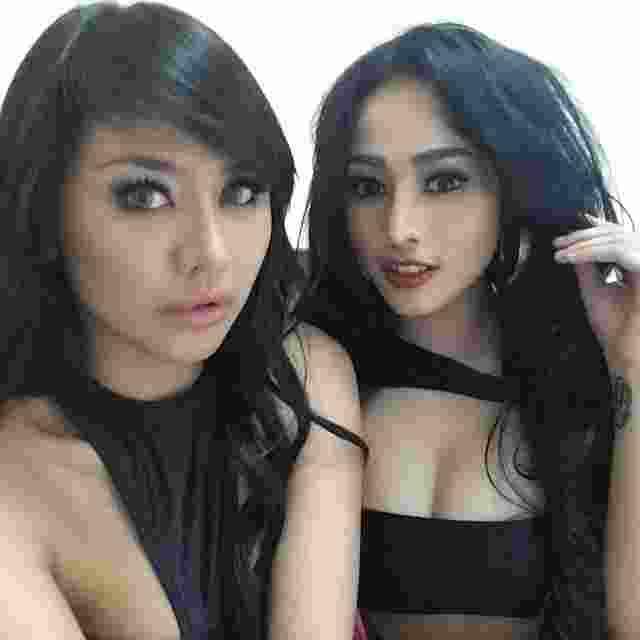 Jelly Jelo, Model Seksi Indonesia Promosikan Persib ke Negara Sakura13