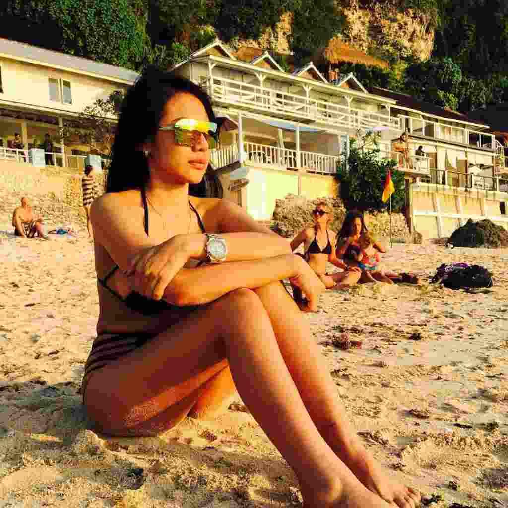 Jelly Jelo, Model Seksi Indonesia Promosikan Persib ke Negara Sakura7