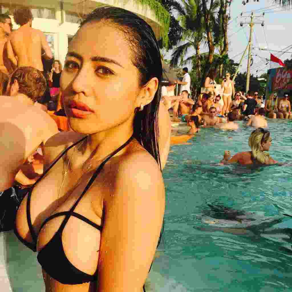 Jelly Jelo, Model Seksi Indonesia Promosikan Persib ke Negara Sakura9