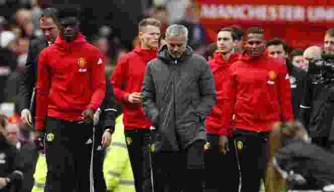 MU Hanya Peringkat 6 Klasemen, Mourinho Harus OUT