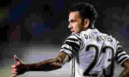 Dani Alves Ingin Bergabung Manchester City