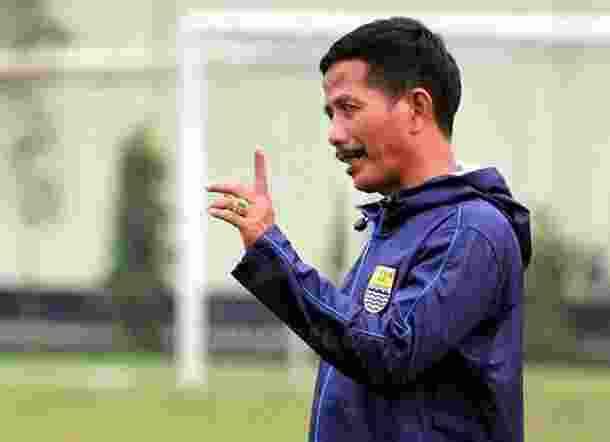 Dihina Oleh Bobotoh, Pelatih Persib Angkat Bicara