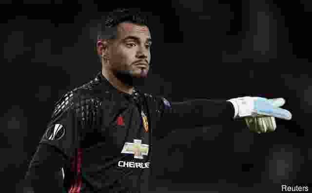 manchester-united-resmi-perpanjang-kontrak-sergio-romero