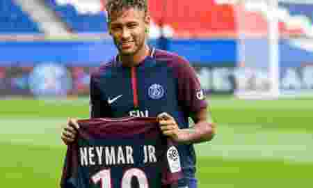 jersey-neymar-sudah-laku-hampir-10-ribu-pieces