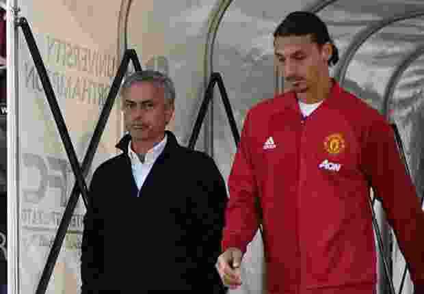 mourinho-dan-ibrahimovic-sedang-bicarakan-kontrak