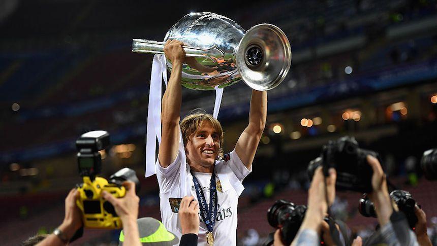 Julen Lopetegui Yakinkan kepada Luka Modric untuk Musim ini