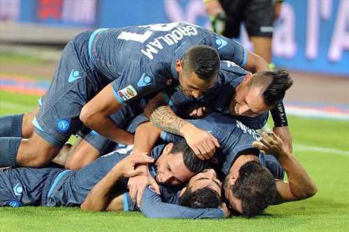 kemenangan-di-liga-europa-bikin-napoli-yakin-sambangi-fiorentina-bola-dunia